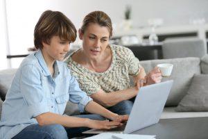 accompagnent école parent ordinateur