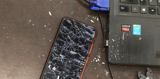smartphone cassé à réparer